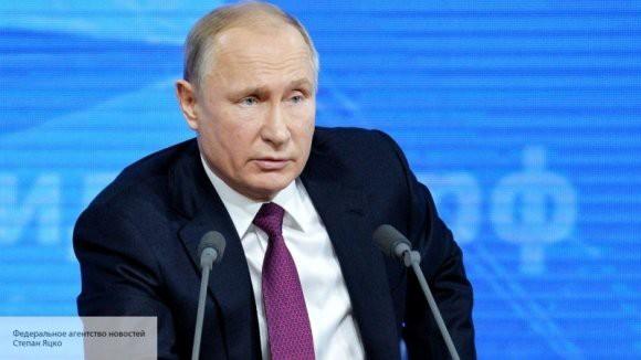Владимир Путин рассказал о судьбе американского доллара в России