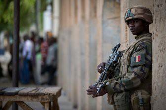 С Россией в Африке решила потягаться еще и Франция