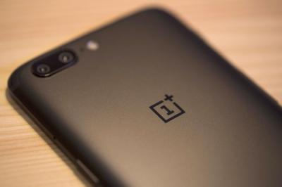 Смартфон OnePlus впервые замечен на фото