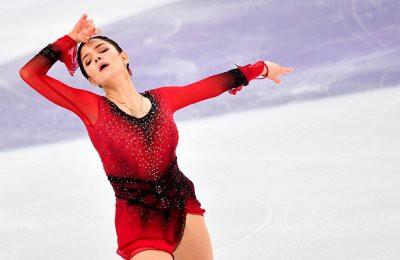 Евгения Медведева заняла лишь 14 место после короткой программы на чемпионате России