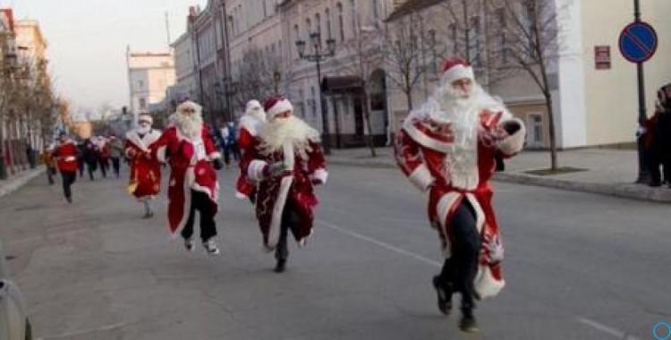 Петербург — Парад Дедов Морозов и Снегурочек 2019: программа, фото и видео, как отметить Новый год в Санкт-Петербурге