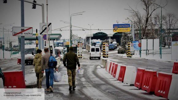 За время действия военного положения на Украину не пустили 1 500 россиян