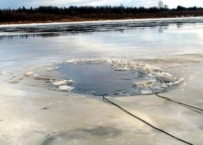 В Приморье в провалившемся под лед автомобиле погиб ребенок