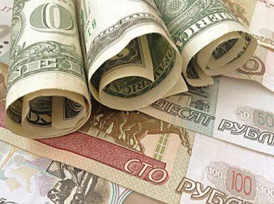 Россия отказалась от расчетов в долларах в военных контрактах