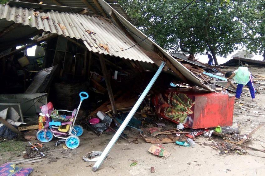 Цунами в Индонезии: число погибших превысило 280 человек