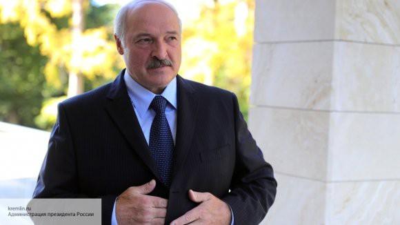 Лукашенко ждет от России денег за налоговый маневр