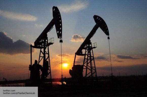 Стоимость нефти достигла минимума за полтора года