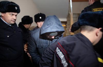 Двум полицейским, подозреваемым в изнасиловании девушки-дознавателя из Уфы, продлили меру пресечения