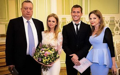 Теща Кержакова: футболист «таскал за шкирку» беременную жену и хотел выкинуть ее из окна