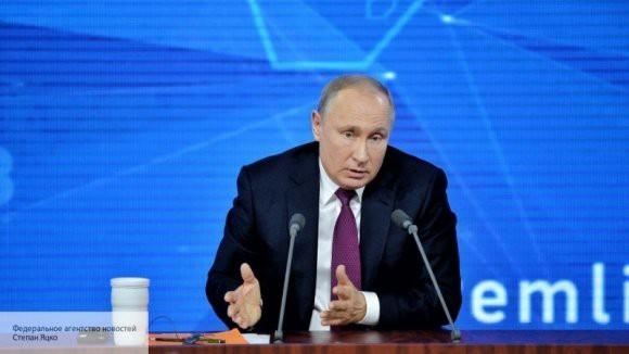 Владимир Путин подписал закон о наказании за вовлечение подростков в несанкционированные митинги