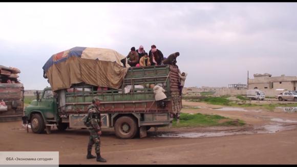 Военная полиция РФ обеспечивает работу гуманитарного коридора Абу-Духур в Сирии