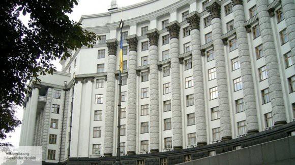 Российским мужчинам разрешили въезд на Украину