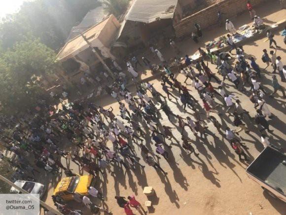 США готовят цветную революцию: эксперт оценил ситуацию в Судане