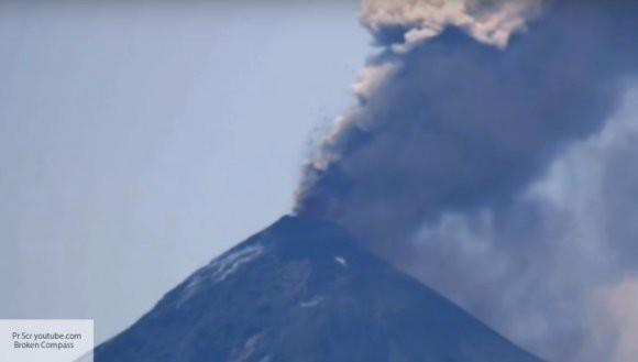 Бали в опасности: проснулся вулкан Агунг