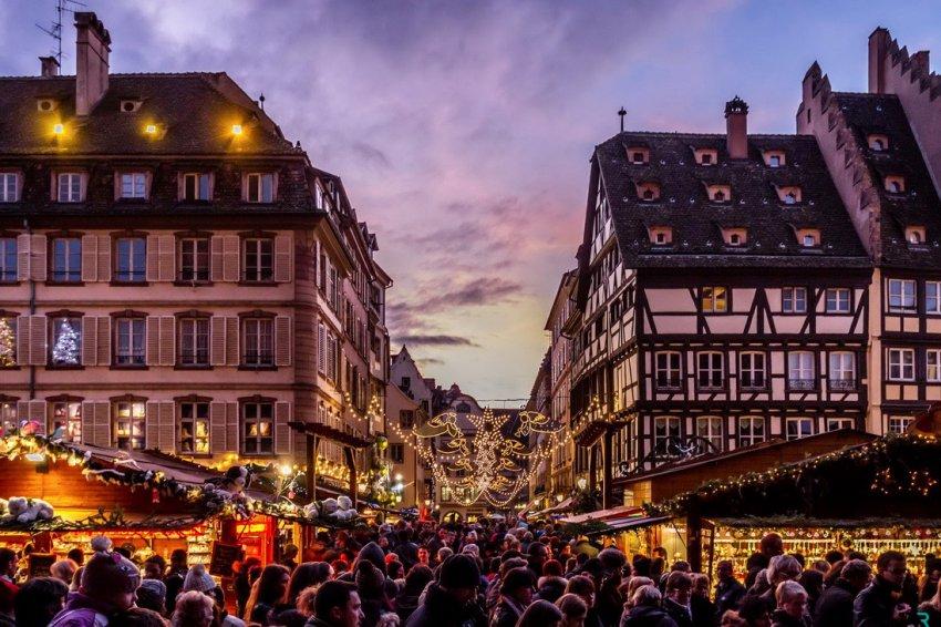 Туристам лучше перенести поездку во Францию из-за неблагоприятной обстановки в стране