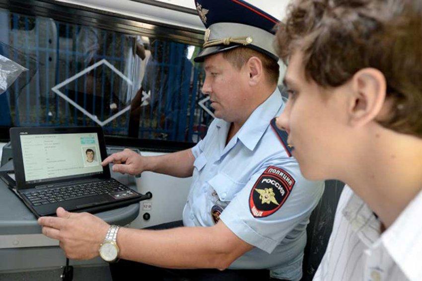 Россиянам разрешат водить машины без документов