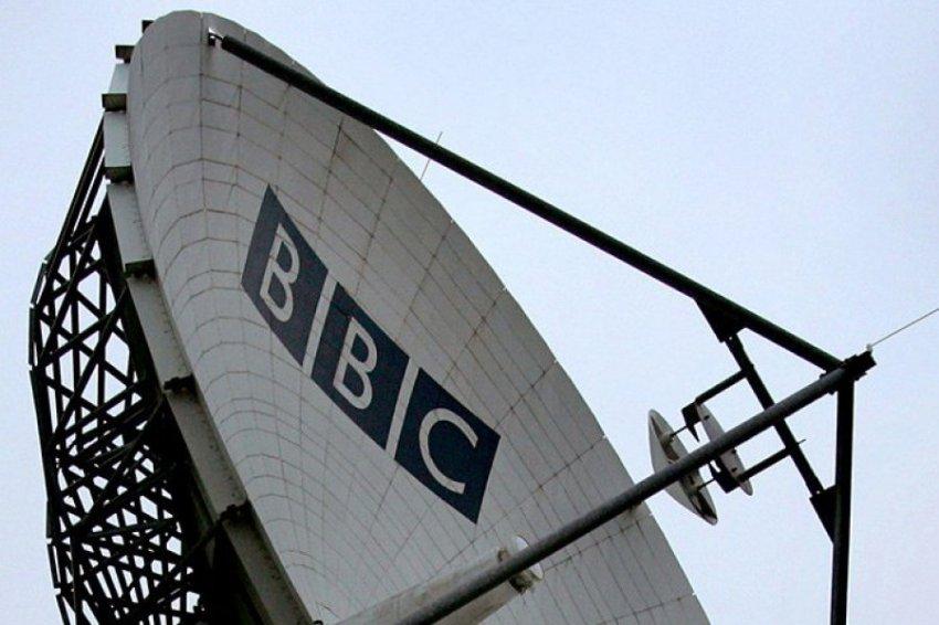 Конфуз Би-би-си: от журналистов требовали найти «русский след» в протесте французских «желтых жилетов»