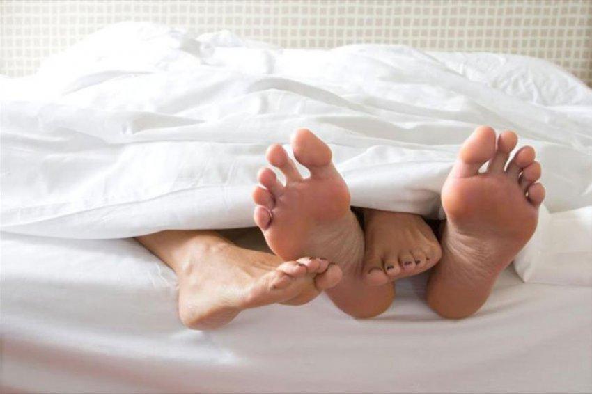 Эксперты назвали длительность занятий любовью у занятых родителей