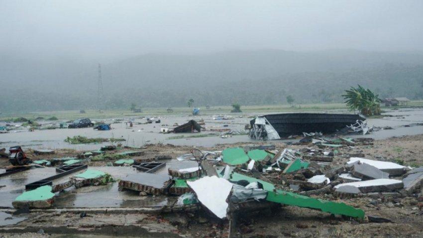 Цунами в Индонезии - более 222 погибших, подробности, видео