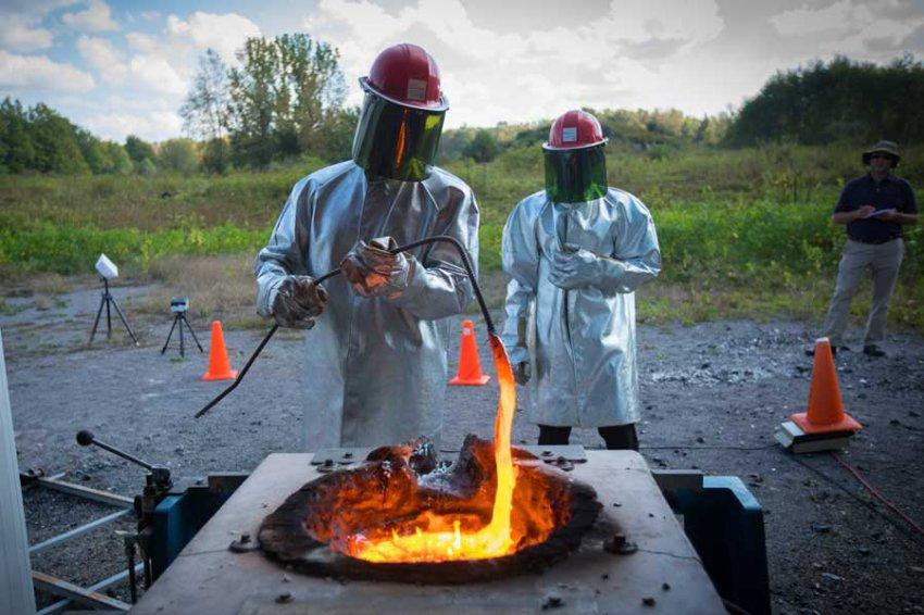 Ученые смоделировали взрыв лавы при контакте с водой