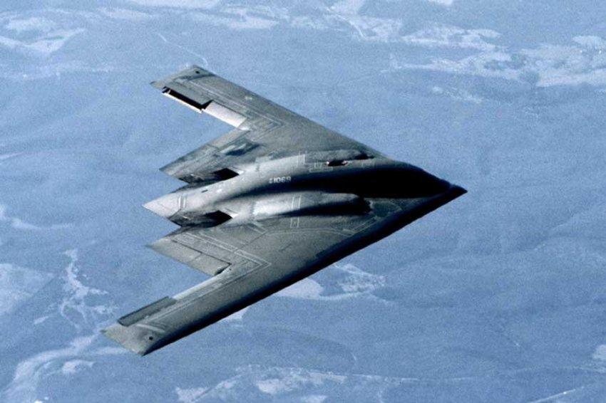 В США испытывают стелс-самолеты нового поколения