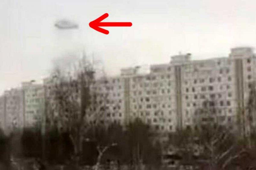 Таинственное черное кольцо появилось в небе над Москвой
