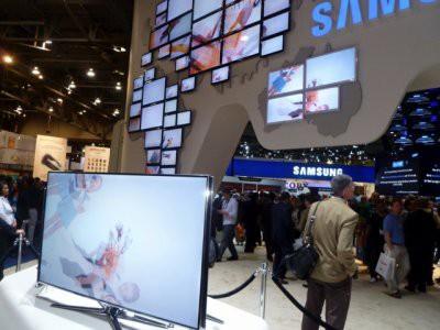 Samsung запатентовала телевизор с гнущимся экраном