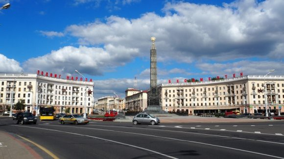 «По-нашему говорите, по-русски»: белорусы не смогли общаться с журналистами на родном языке