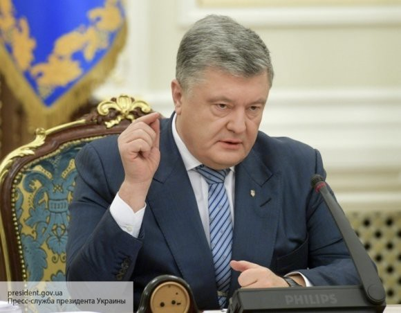 СБУ «выбросила» из Украины журналиста за критику Порошенко