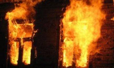 При пожаре в частном доме в Новгородской области погибли шесть человек