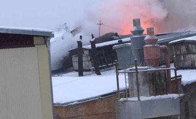 В Кирове горит спичечная фабрика