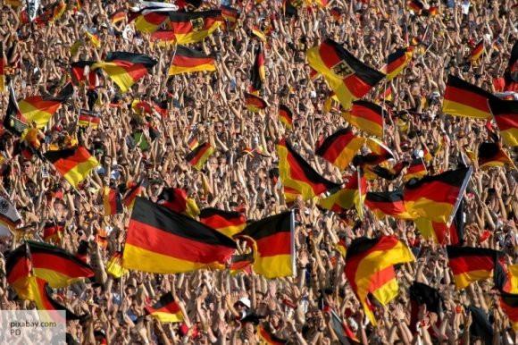 Bild: члены партии «Альтернатива для Германии» угрожают выходом ФРГ из ЕС в 2024 году
