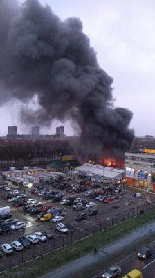 В Калининграде горит рынок «Сельма»