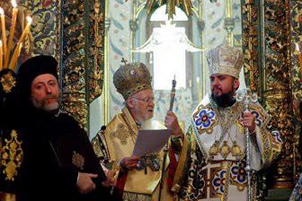 Варфоломей передал Украине томос об автокефалии новой церковной структуры