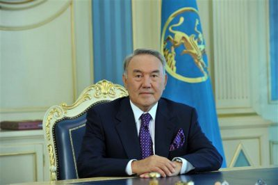 Назарбаев подписал закон о регулировании цен на лекарства в Казахстане