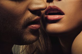Ученые выяснили, у какого типа людей больше интимных партнеров