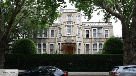 В российском посольстве назвали статью Telegraph о жизни Скрипалей «вбросом»