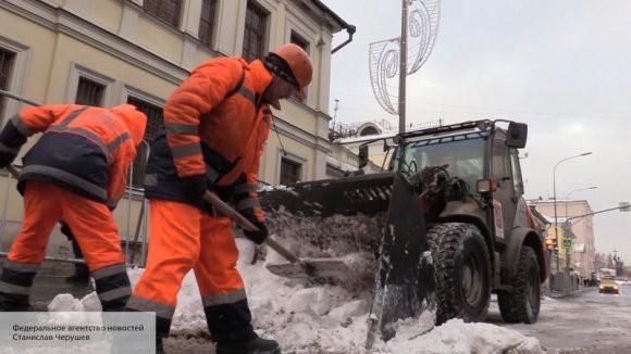 Жители Петербурга оценили качество уборки городских улиц от снега