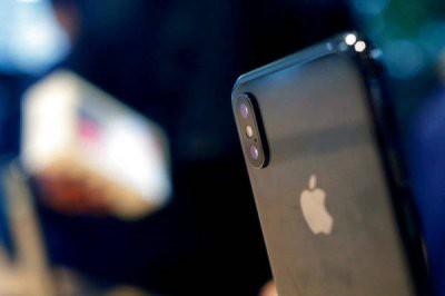 В России Apple и Samsung повысили цены на смартфоны из-за НДС