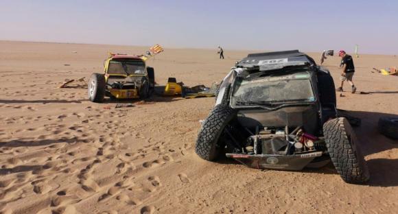 Пилот команды «КАМАЗ-мастер» попал в аварию на ралли «Африка Эко Рейс 2019»