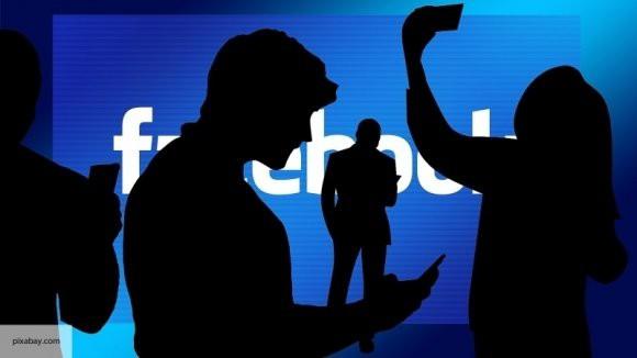 «Симуляция счастья»: сотрудников Facebook наказывают за инициативу и заставляют писать хвалебные отзывы о компании