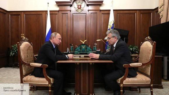 Глава РАН попросил Владимира Путина поддержать престиж ученых в России