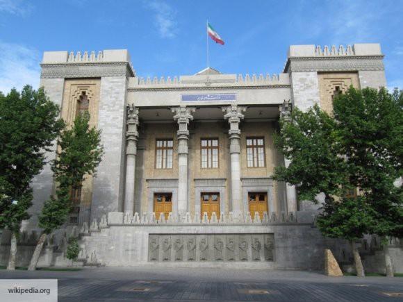Глава МИД Ирана: США стоит скорее уйти из Сирии