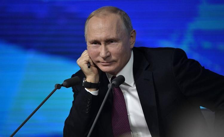 Над чем смеялся Путин в 2018 году