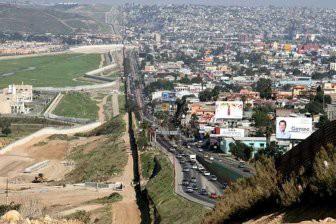 Около 20 сгоревших тел найдены на границе США и Мексики