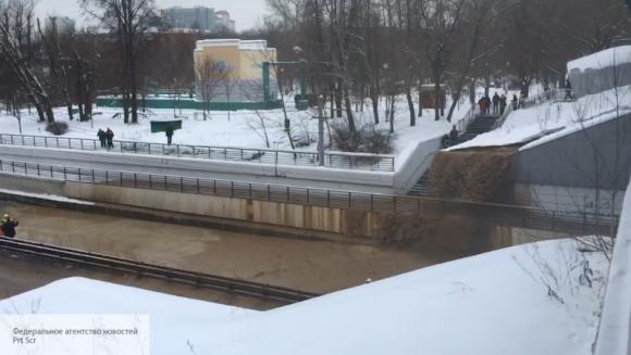 Тушинский тоннель в Москве затопило после того, как провалился грунт