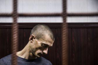 Суд над Павленским: здесь вам не Россия, здесь климат иной…