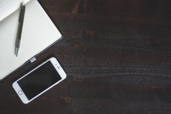 Пользователи Сети рассказали о «шпионской» функции беспроводных наушников для iPhone