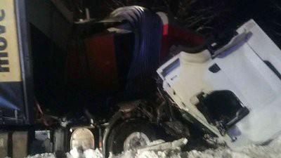 В Словакии столкнулись пассажирский поезд и грузовой автомобиль
