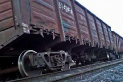 Около 30 грузовых вагонов сошли с рельсов в Иркутской области